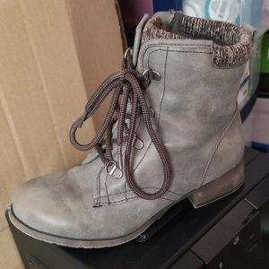 Ankle boots lace up